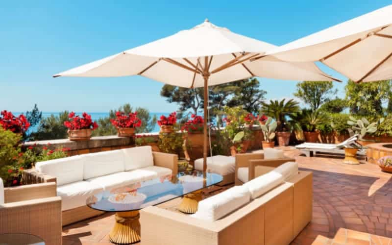 How To Decorate A Large Terrace